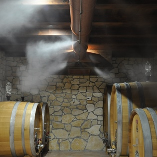 Aging in Slavonian barrels with constant temperature and humidity control